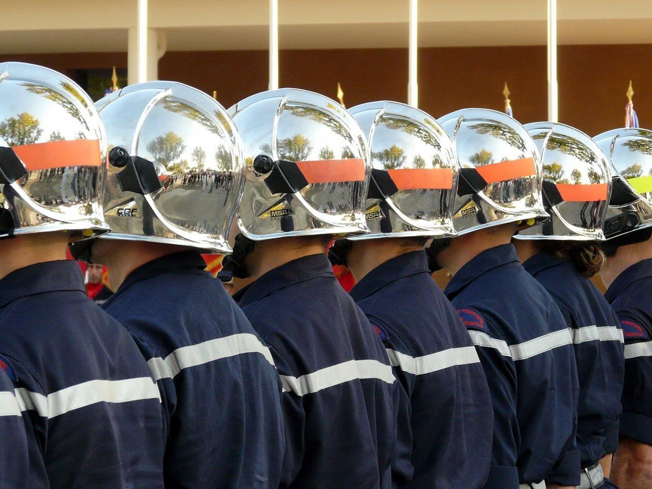 firefighter 1162652 1280