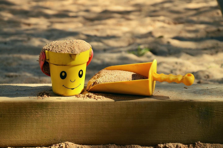 sand pit 1345728 1920